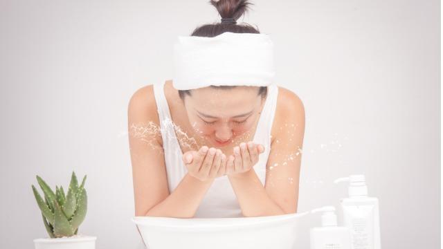 聚丙烯酰胺增稠剂在润滑脂中有什么作用?